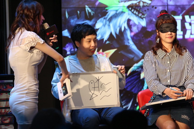GodJJ把娜米畫成傳神的飛斯,也是一絕。