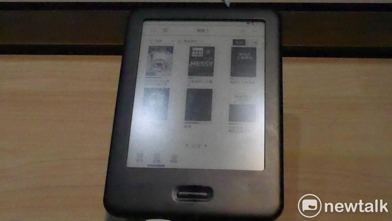 moolnk電子書閱讀器。圖:葉立斌/攝