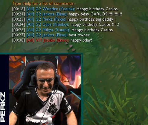 G2隊員開心為老闆慶生,VIT隊員也獻上祝福