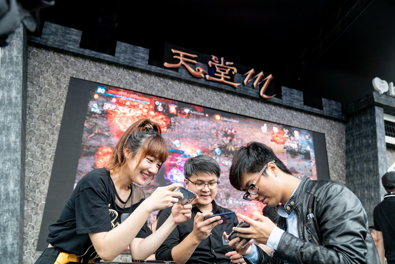 《天堂M》舉辦「崩壞之島」挑戰賽,邀請知名實況主與現場玩家,廝殺爭奪最後生存者