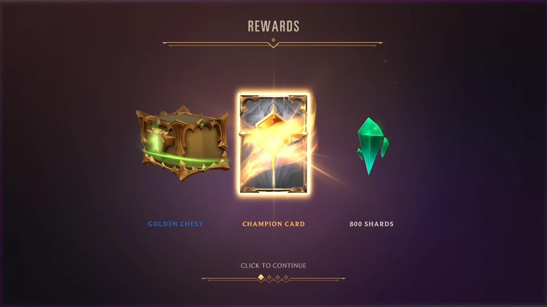 遠征模式結束後可以獲得碎片、英雄卡及寶箱等獎勵,每次遊戲結束都至少會獲得1張英雄卡。