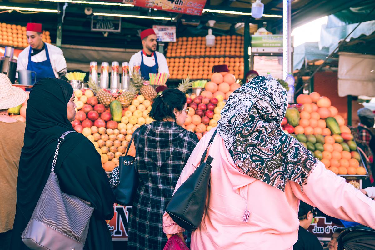 摩洛哥的女性可以自由選擇要不要戴頭巾。圖:謝佳真/攝