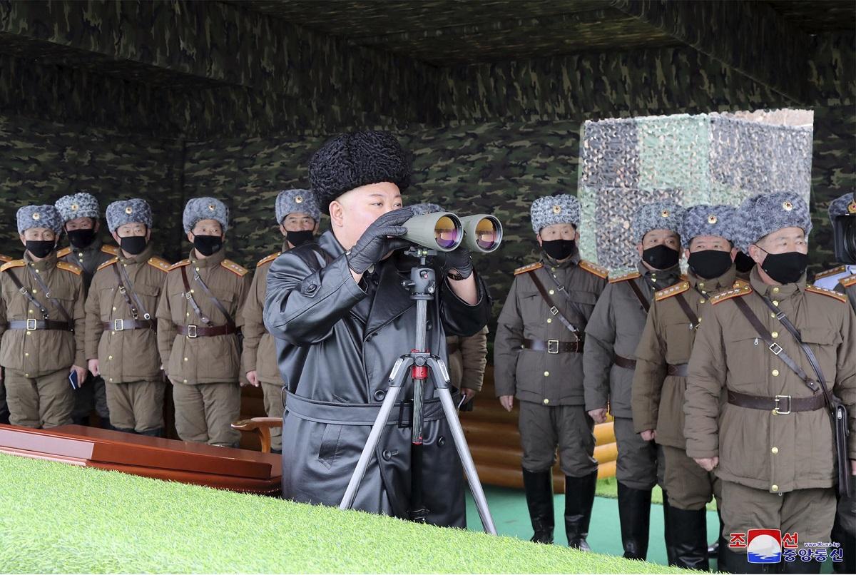 針對北韓領導人金正恩為何隱匿國內疫情,一名脫北的前北韓官員金明分析,北韓十分依賴中國的援助,需要與中國保持良好關係,不能因疫情讓中國難堪。圖:達志影像/美聯社(資料照)