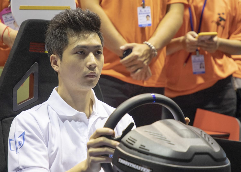專業賽車手陳意凡擔任本次賽事青少年組指導教練。 圖:業者提供