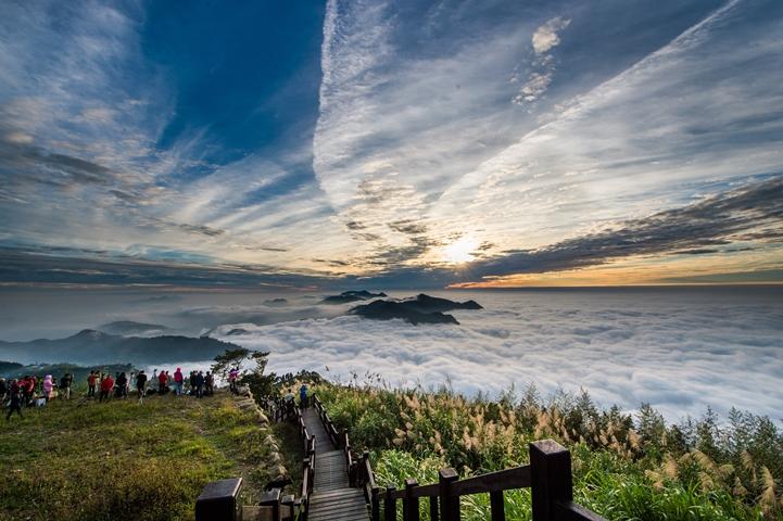 來嘉健行!12條步道一覽瀑布雲海鐵道壯麗風光