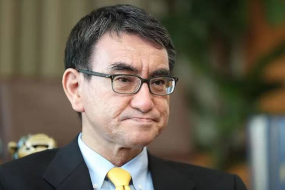 自民黨總裁候選人、行政改革大臣河野太郎表示,雖然自家公司與中國有關,對政治活動並沒有影響。 圖:翻攝自環球網