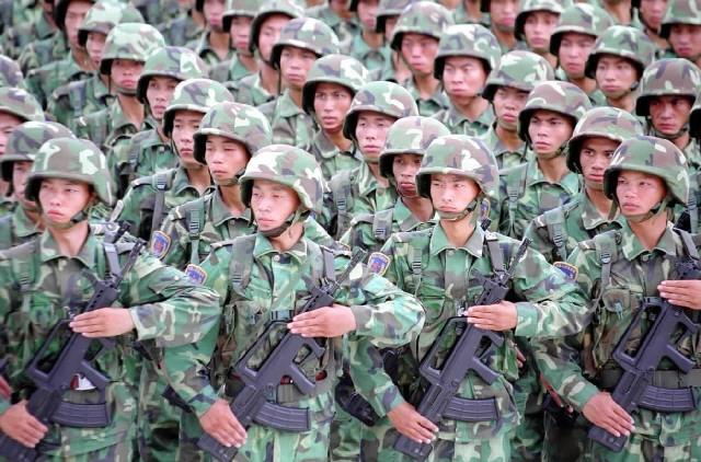 中共解放軍。