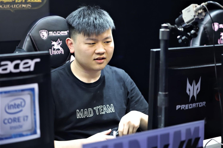 本場MVP則是屢屢成功開戰並強勢帶領風向的Kongyue