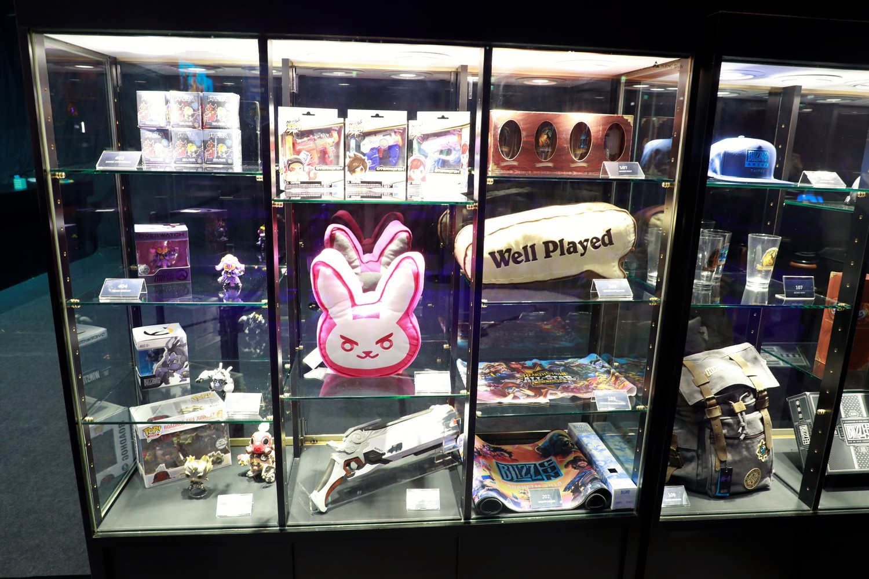 商品不只有《爐石戰記》的商品,也有《鬥陣特攻》、《魔獸世界》等商品。