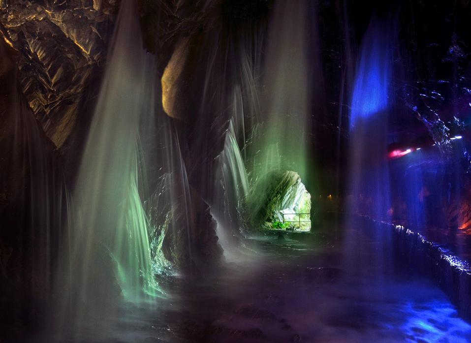 白楊步道水濂洞風景奇幻,沿途需經過多個隧道方可抵達。 圖:觀光局/提供