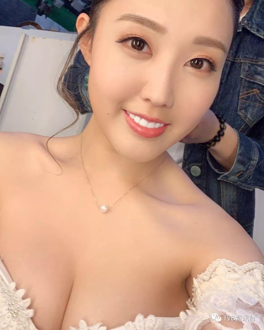 據說林秀怡遭到雪藏,是因為在6月9日的反送中大遊行當日,她在IG story寫有6‧9的字眼,以及在8月5日響應罷工行動表示自己會休息一天。