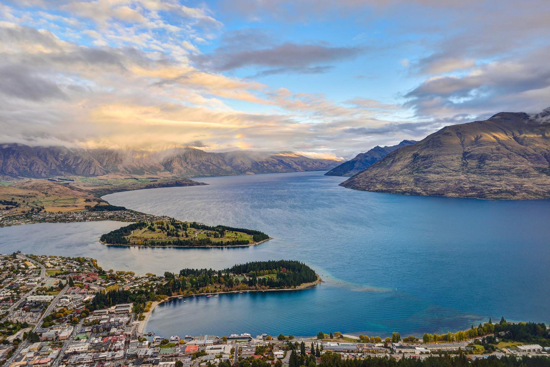 紐西蘭12月至2月是當地夏天旅遊旺季。圖為皇后鎮。圖:謝佳真/攝