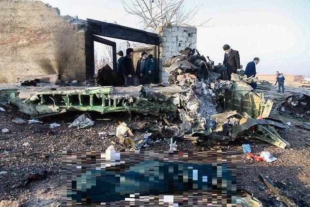 遭到伊朗飛彈擊落的烏克蘭航空波音737客機,墜毀在伊朗首都德黑蘭。圖:翻攝自人民日報臉書