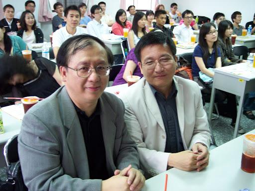 中山大學教授林德昌(左)在18年內指導了148位碩士、29位博士。 圖:取自中山大學官網