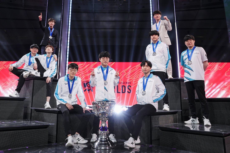 今年拿下世界冠軍的DWG被韓媒全員選進假想國家隊名單中。 圖:翻攝自推特