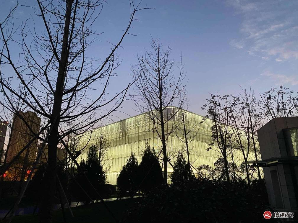 「西安曲江電競中心」的外觀 圖:翻攝自 悅西安 論壇