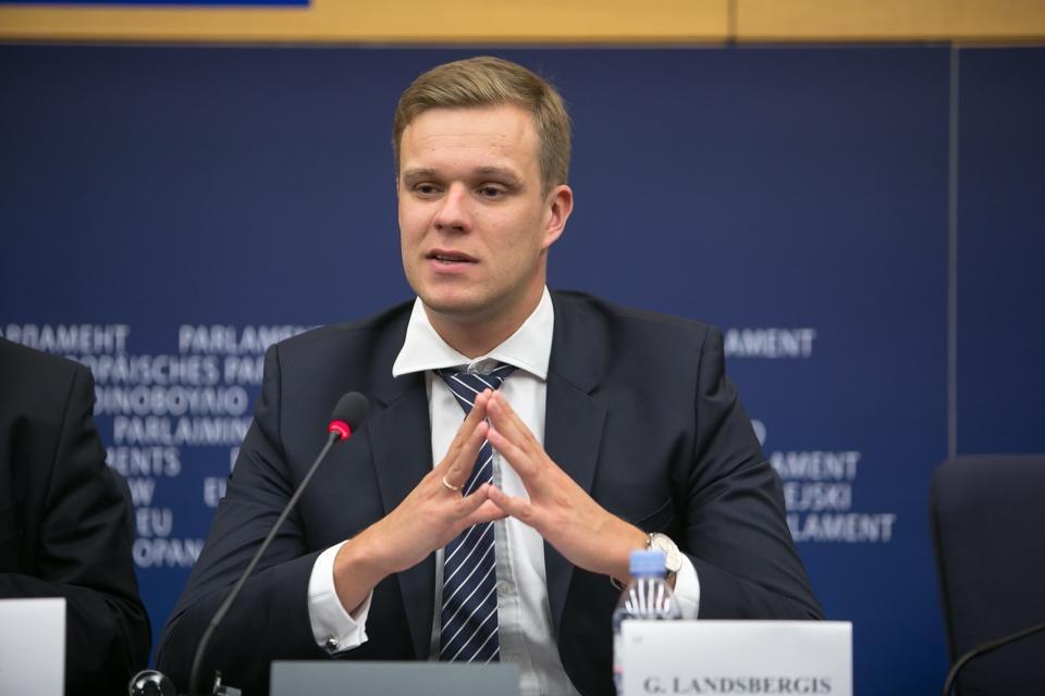 立陶宛退出「17+1合作」,並準備派遣商務代表進駐台灣。圖為立陶宛外交部長林克維丘斯(Gabrielius Landsbergis)。 圖:翻攝林克維丘斯臉書