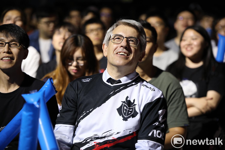 Caps父親經常出現在兒子比賽的觀眾席中搖旗吶喊,這次MSI也不例外。