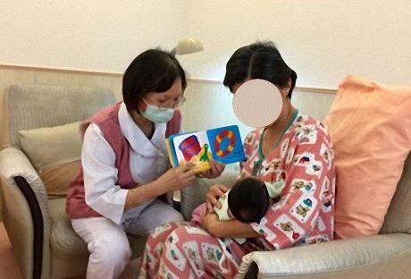 疾管署呼籲準媽媽,若產檢結果為s抗原陽性,請於待產時主動告知院所,以確保寶寶於出生後能按時完成HBIG及B肝疫苗的接種,共同守護寶寶的健康。(母嬰示意圖)圖:台北市立聯合醫院和平婦幼院區/提供