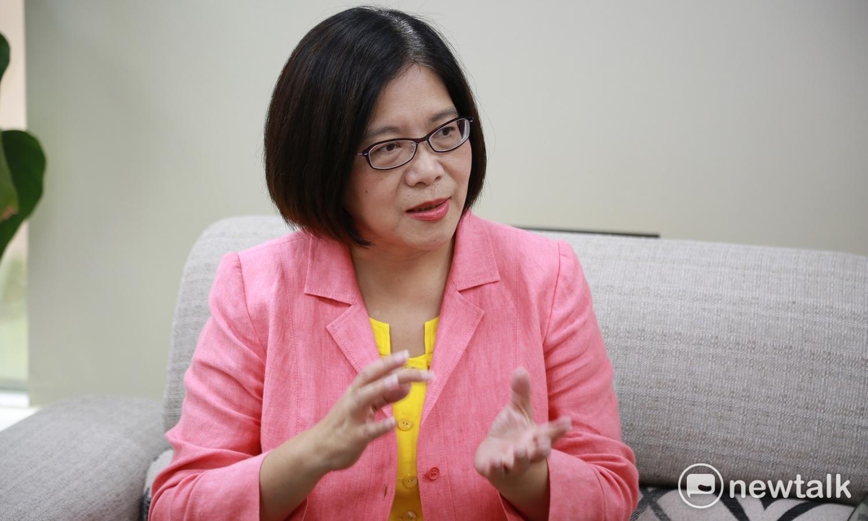管碧玲在臉書罵國民黨抓殺下一個人。