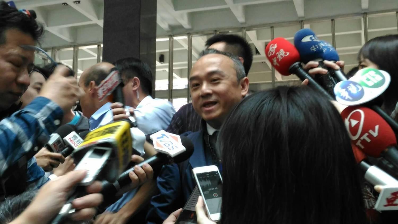 高雄市 觀光 局長 潘恆旭 邀請 的 兩位 「神秘 嘉賓」 都 無法 出席。 圖 : 孫家銘 / 攝