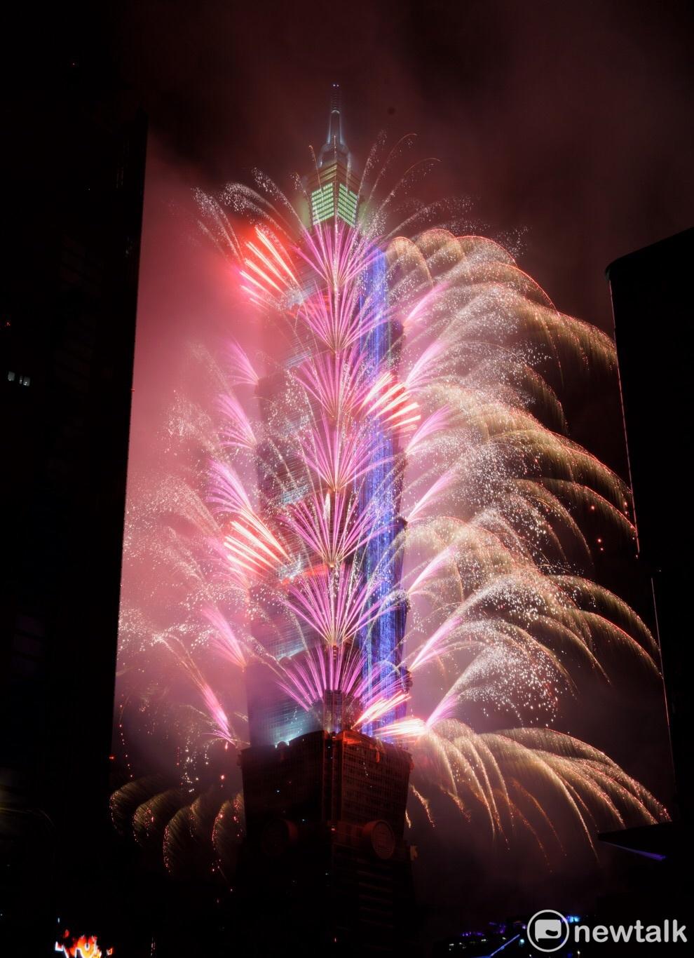 每年都令人期待的台北101跨年活動將邁入第16年,而跨年煙火為101的重頭戲圖 : 張良一 / 攝