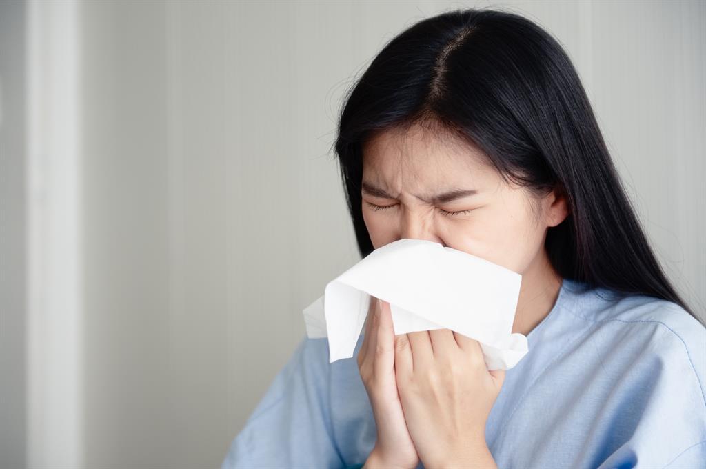 世界衛生組織也對中國武漢新型肺炎發出警告,表示出現人傳人的危險,卻沒有限制旅行。圖:翻攝自WHO官網