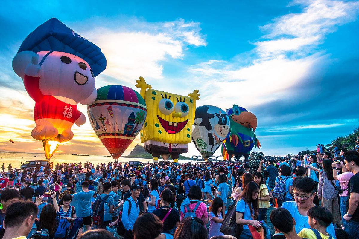 台東熱氣球嘉年華從7月11日至8月30日舉辦,光雕音樂會場次也正式公布。圖:台東縣政府/提供