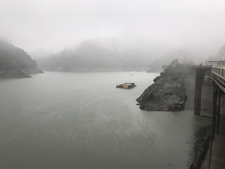 石門水庫近日因梅雨鋒面為集水區帶來降雨,蓄水量大增1700萬噸,水位從今年最低點221.96公尺回升至226公尺。圖:北水局/提供