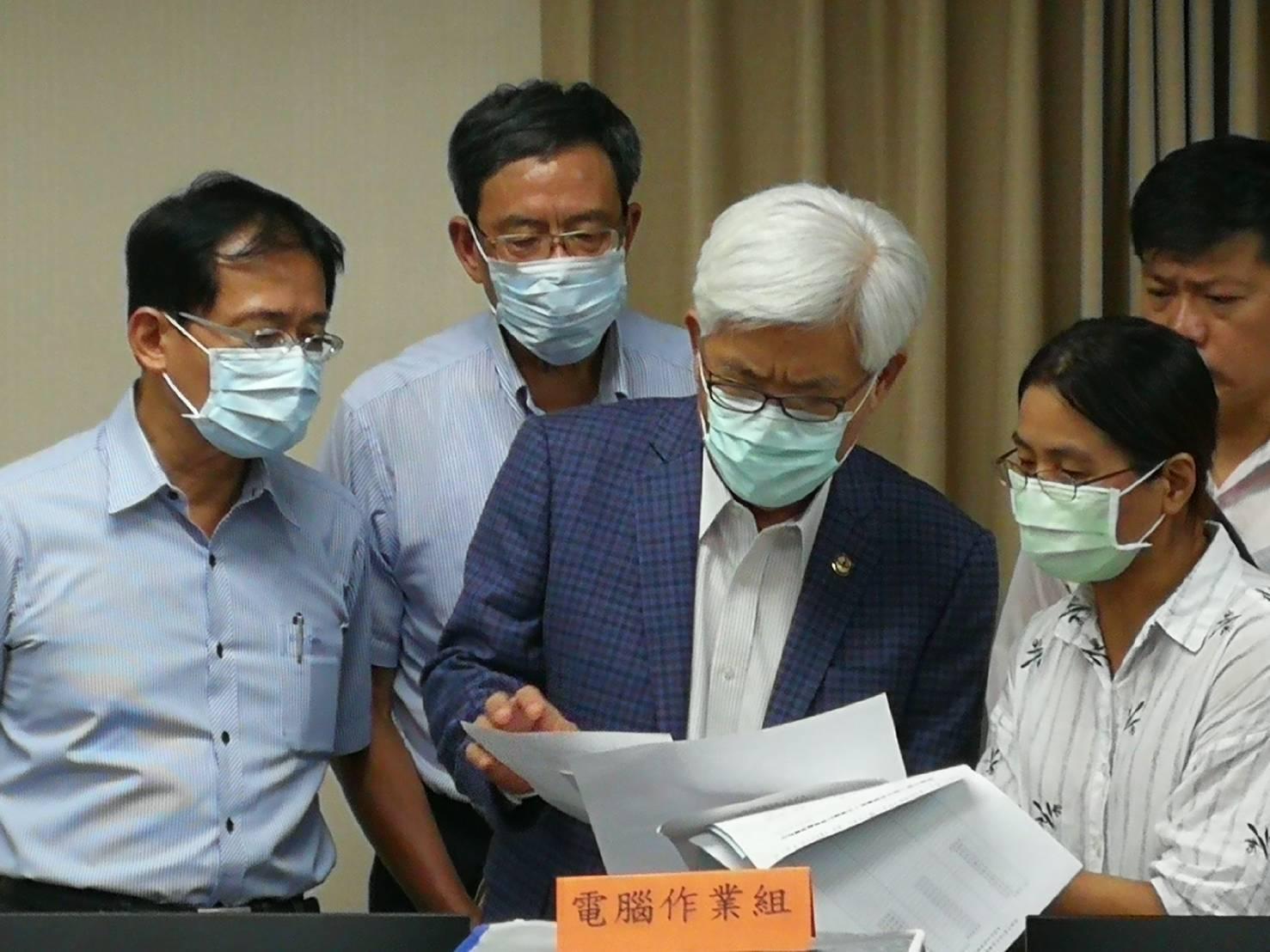 <b>李進勇</b>視察高雄市長補選作業模擬演練 務求零缺失