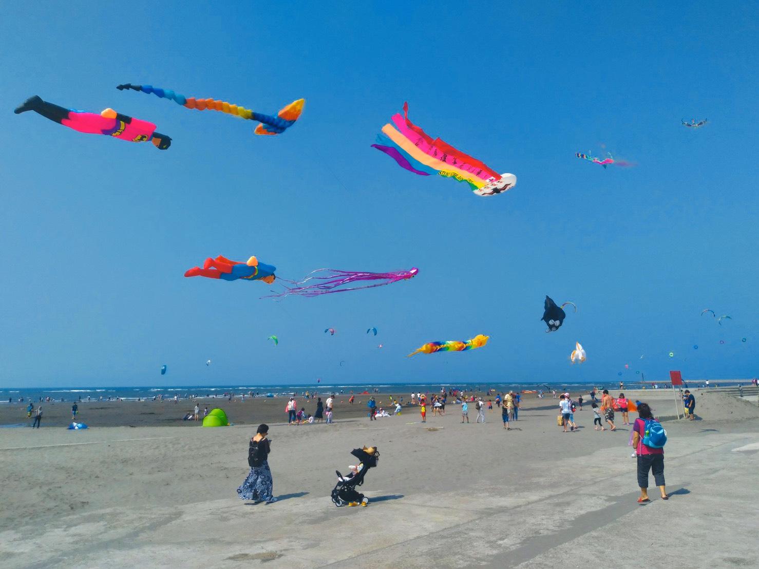 中秋連假到大安賞風箏玩衝浪。圖:台中市觀旅局/提供