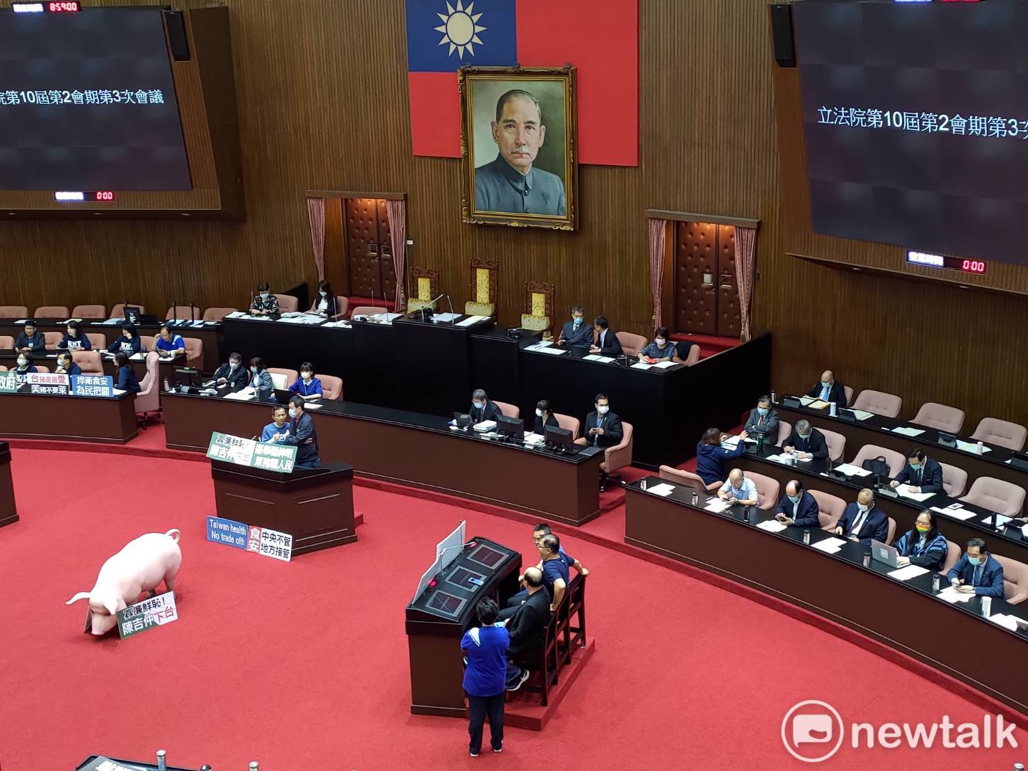 國民黨立法院黨團再度杯葛議事,不讓行政院長蘇貞昌進行施政報告。   圖:黃建豪/攝