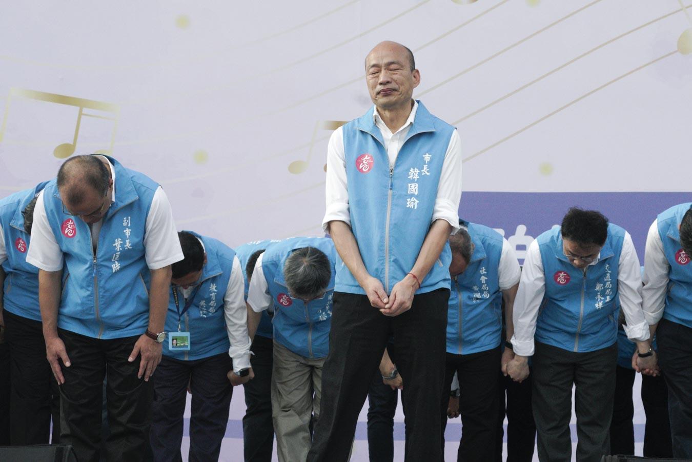 被近94萬名高雄市民罷免的高雄市長韓國瑜,今天傍晚在告別音樂會上向其支持者透露,罷免後至今心情難以平復。圖:張良一/攝