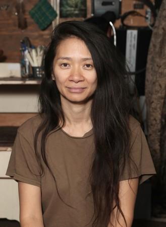 《游牧人生》導演趙婷也因過往言論,在中國備受爭議。圖:探照燈影業提供