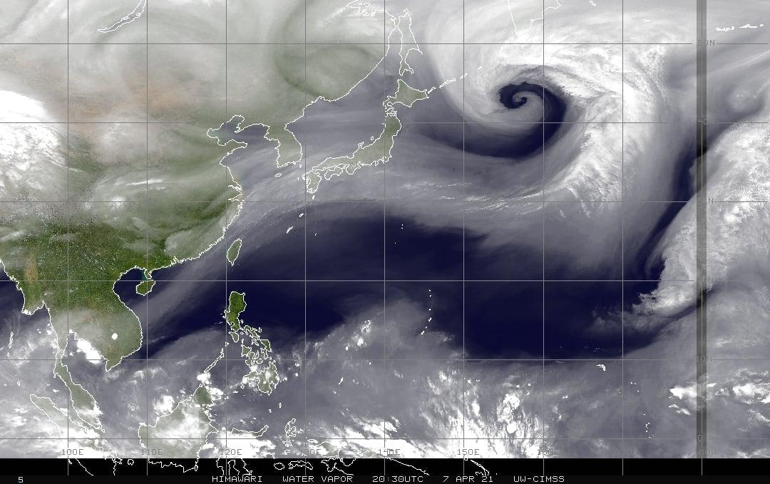 有機會下雨!東北季風增強 高層水氣通過台灣上空