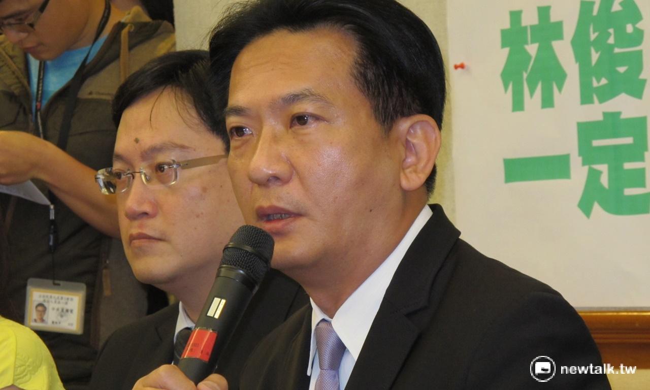 中國堅稱公開透明審訊12港人案 林俊憲:笑話一樁